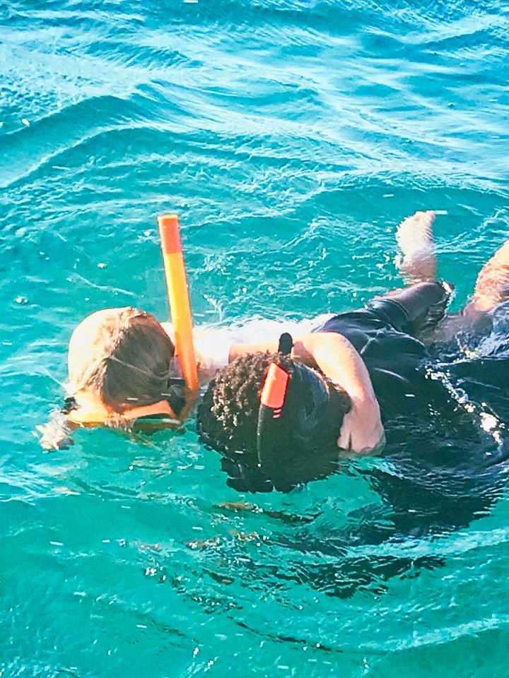 alice e amigo mergulho moçambique.jpeg